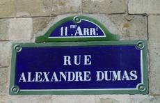 http://www.dumaspere.com/images/rues/paris_ruedumas.jpg